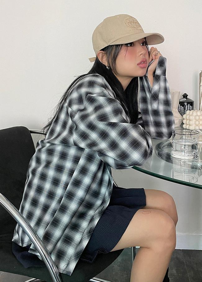 DARKVICTORY雙口袋寬鬆格紋襯衫