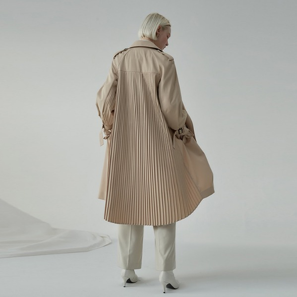 [ANOTHER LOUNGE] Pleats Back Trench Coat (2 colors)