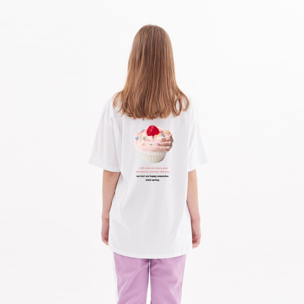 [ATAR]케이크 프린트 오버핏 반팔 티셔츠 화이트