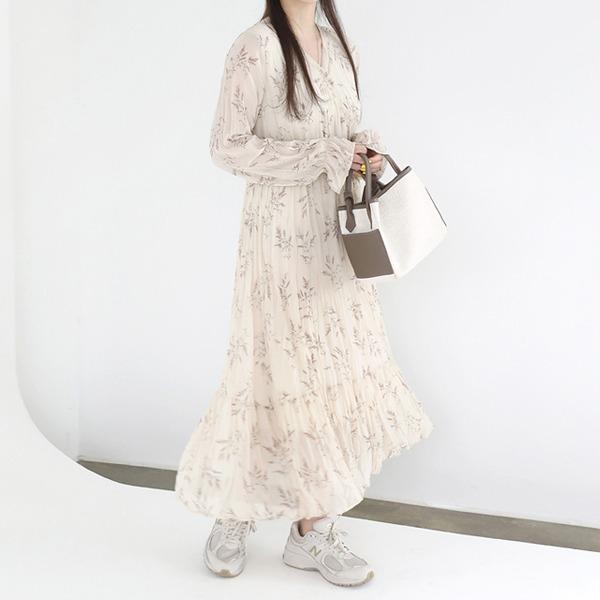 V领褶皱印花长款连衣裙