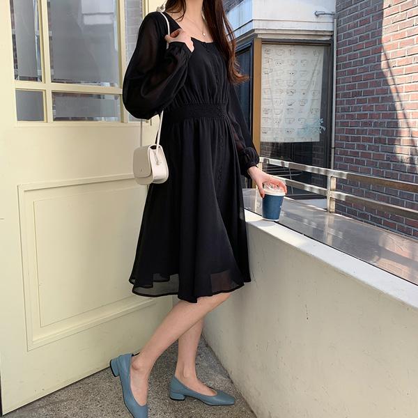 淑女風方領縮腰荷葉襬洋裝