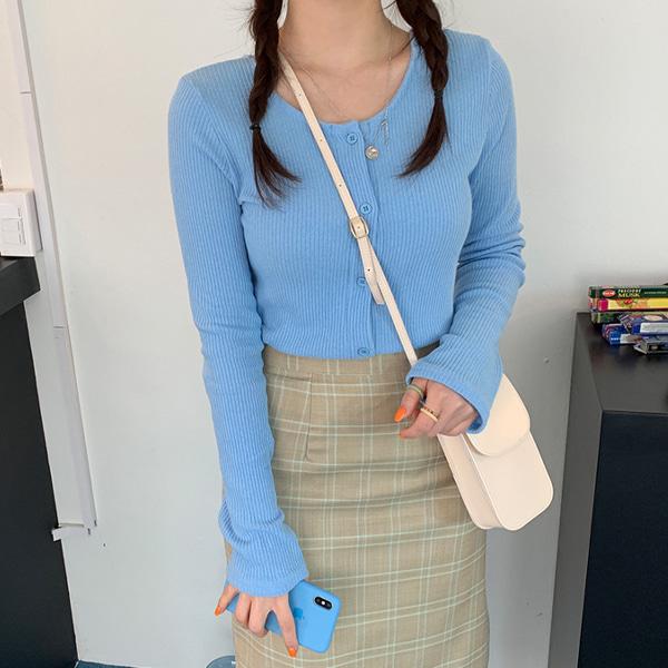 兩穿式U領羅紋排釦針織衫