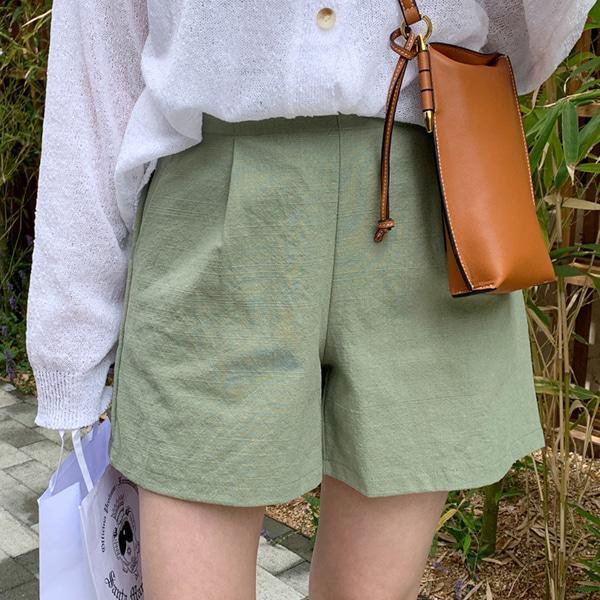 鬆緊高腰褶縫純色短褲