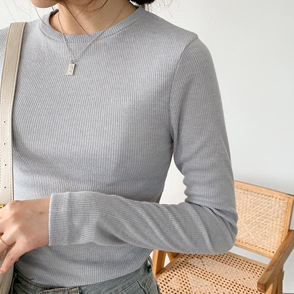 修身款細羅紋素色長袖T恤