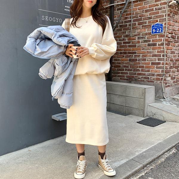 [套裝]內刷毛抽繩襬大學T長裙套裝