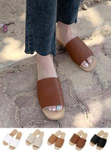 極簡風柔軟仿皮革寬帶拖鞋
