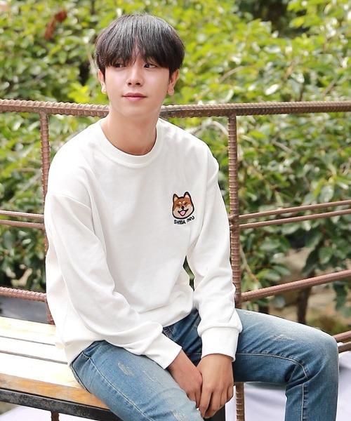 강아지 자수 맨투맨 티셔츠