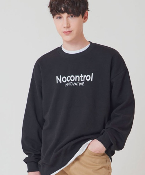 [노컨트롤] INNOVATIVE LOGO Overfit CREWNECK BLACK