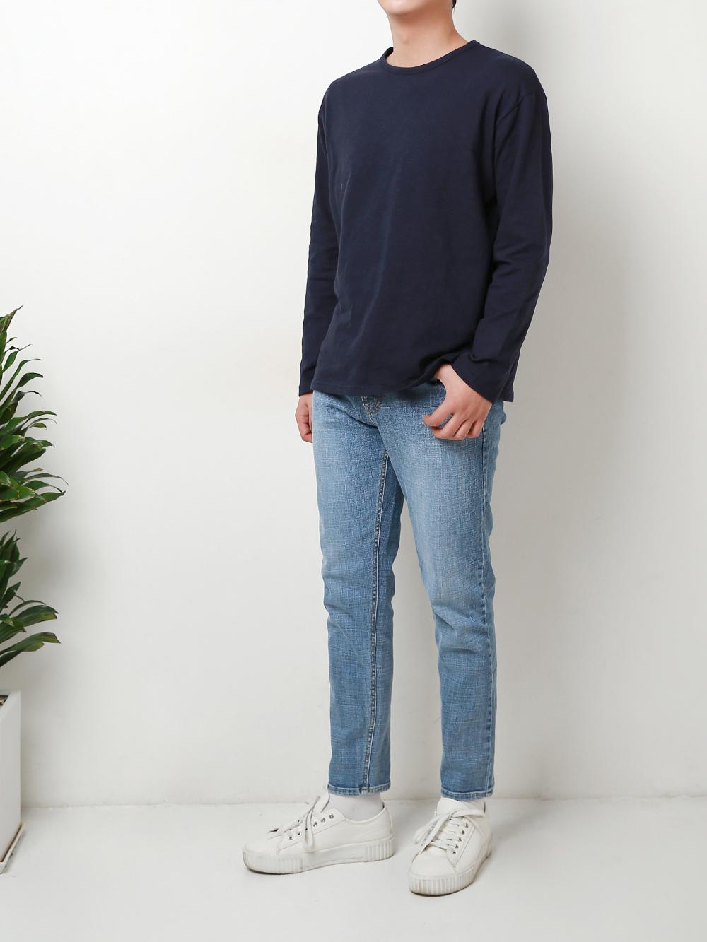 긴팔 티셔츠 모델 착용 이미지-S1L25