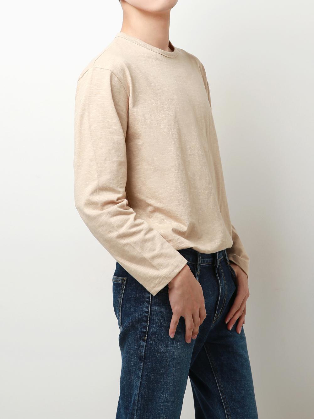 긴팔 티셔츠 모델 착용 이미지-S1L32