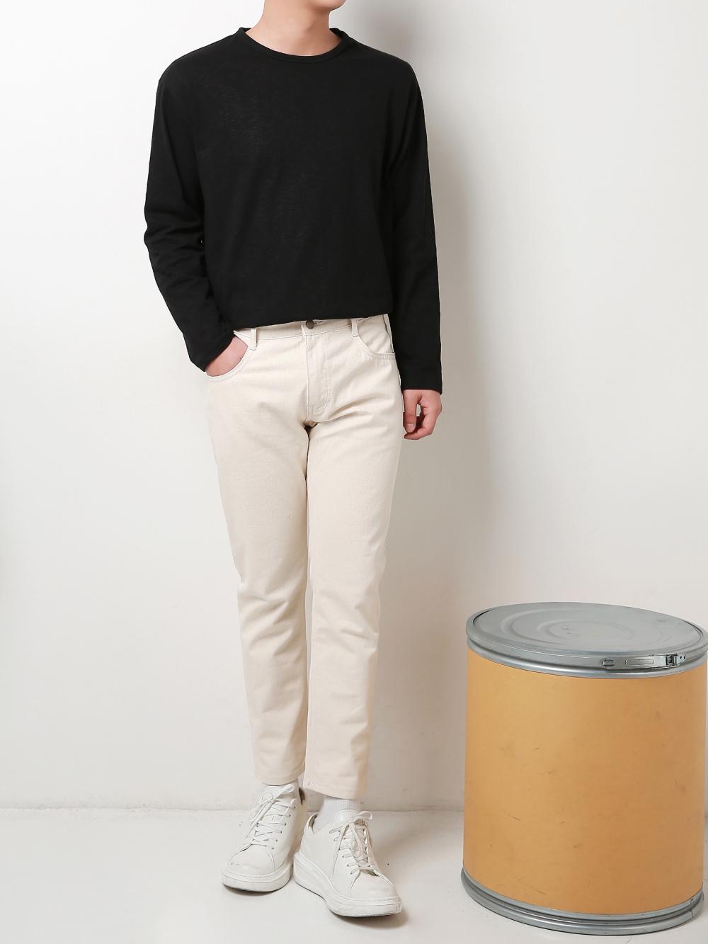 긴팔 티셔츠 모델 착용 이미지-S1L9
