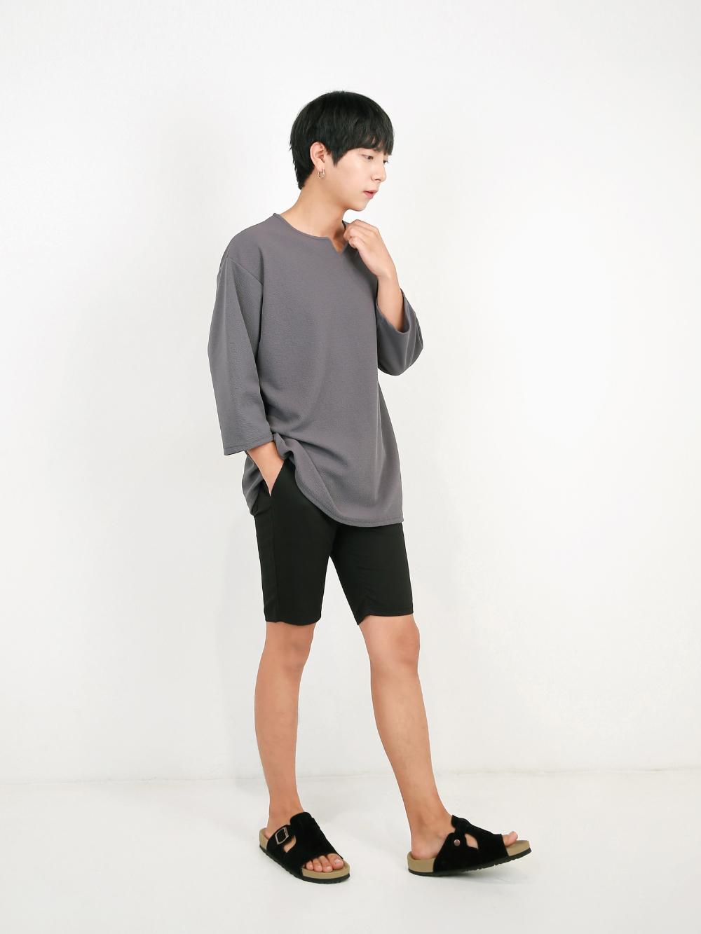 반팔 티셔츠 모델 착용 이미지-S1L51