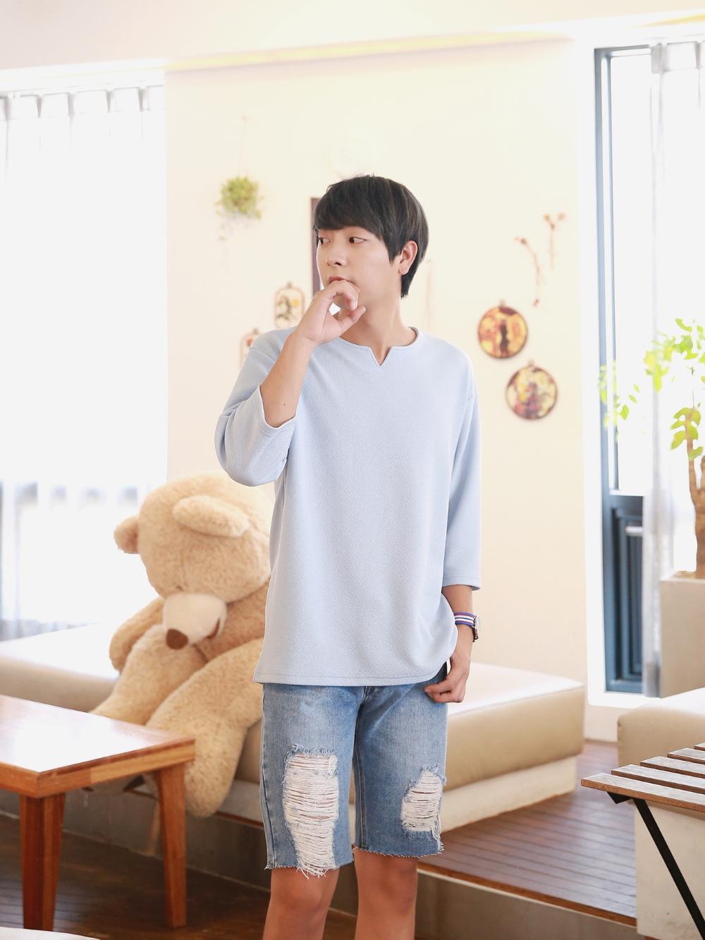 반팔 티셔츠 모델 착용 이미지-S1L41