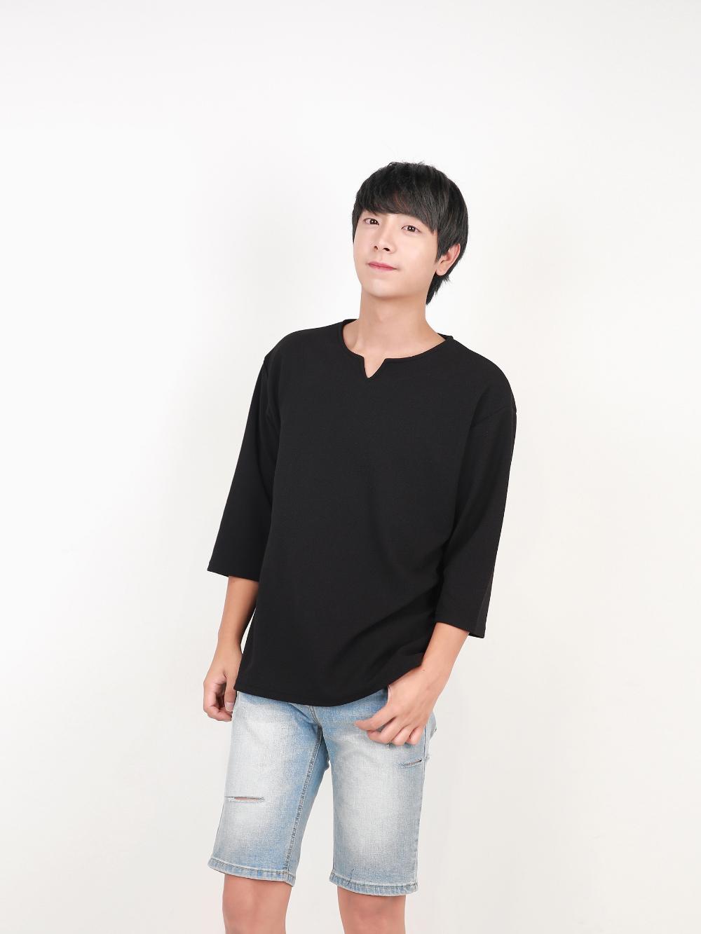 반팔 티셔츠 모델 착용 이미지-S1L44