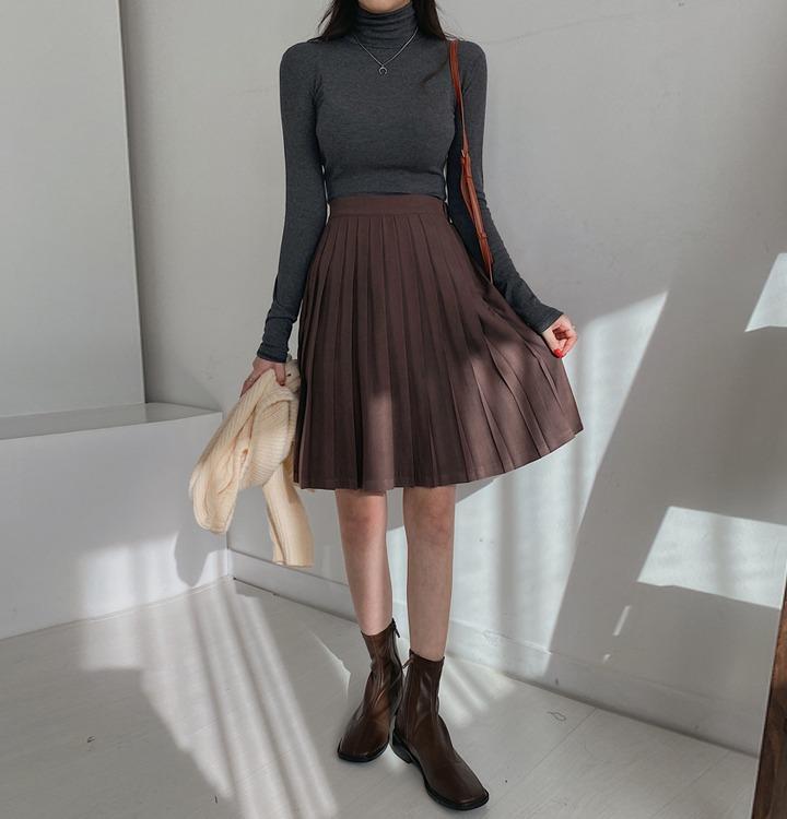 スウェードミディプリーツスカート
