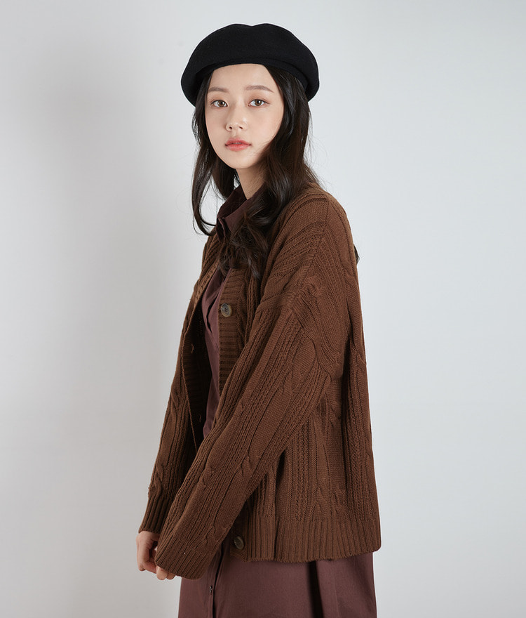 ESSAY Cable Knit Oversized Cardigan
