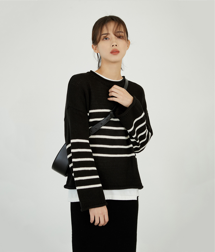ESSAYStripe Round Neck Knit Top
