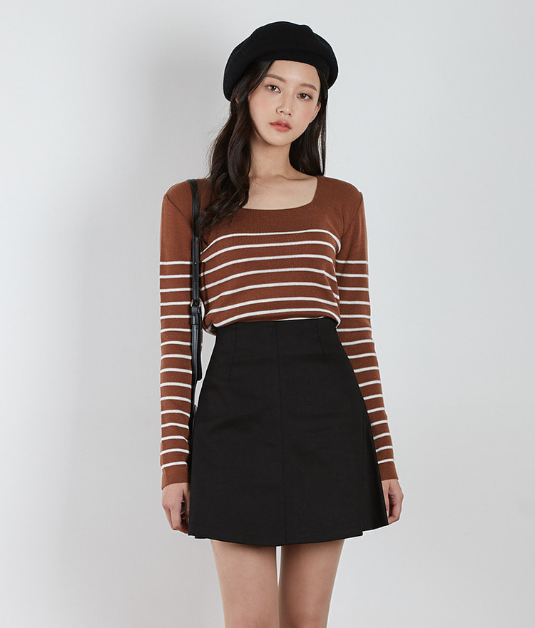 ESSAYSqure Neck Stripe Knit Top