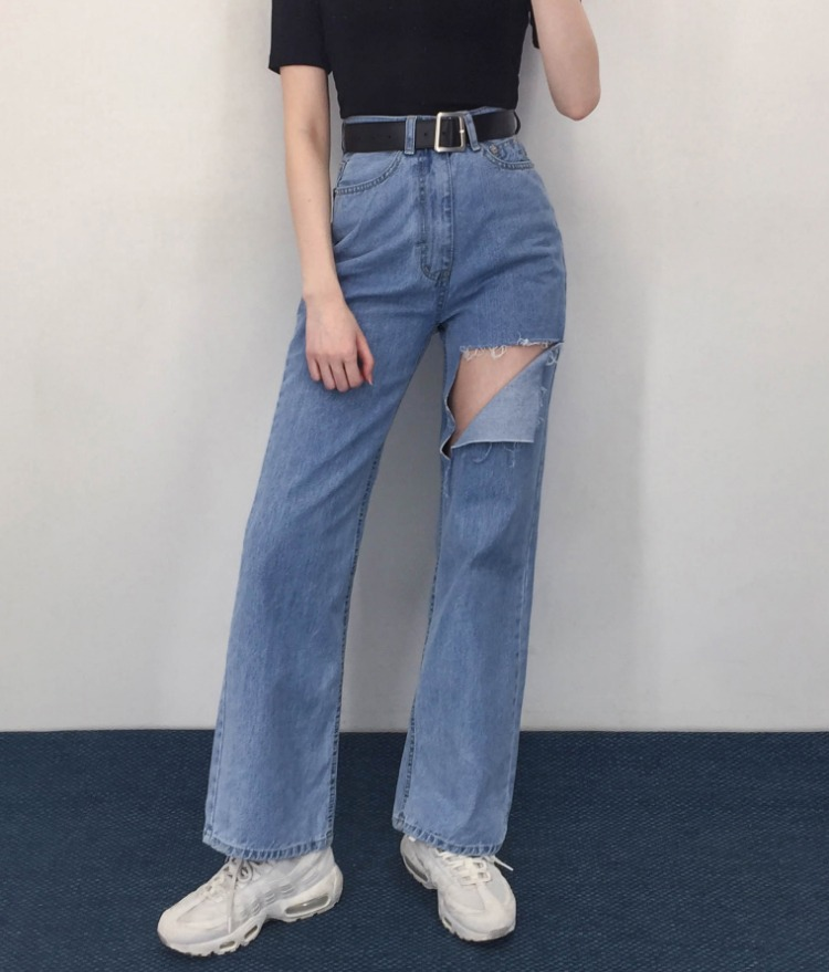 QUIETLABCutout Detail Loose Fit Jeans