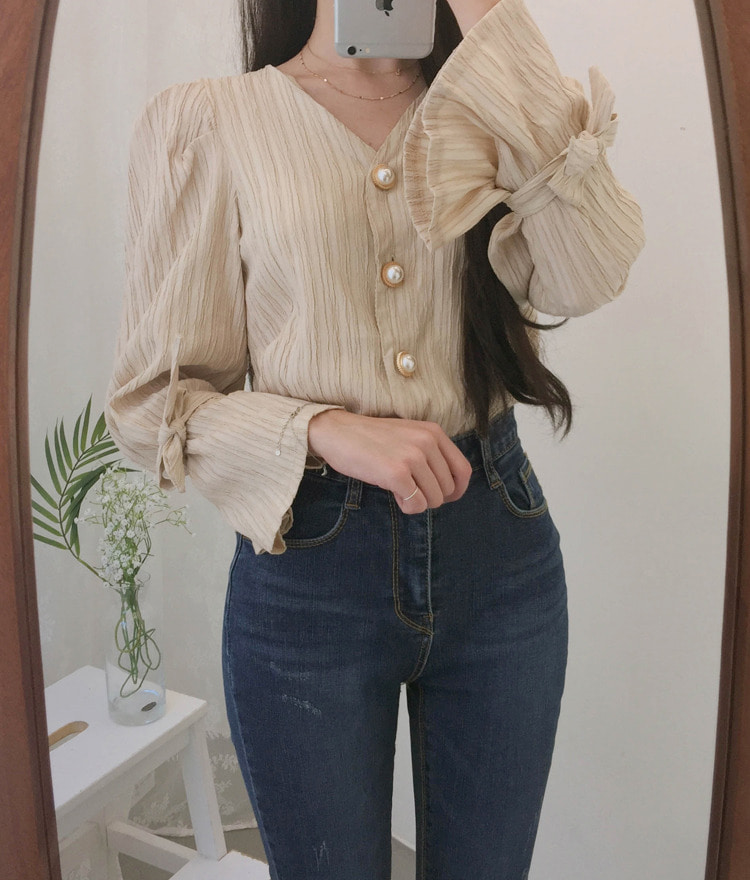 ROMANTIC MUSESelf-Tie Cuff Textured Blouse