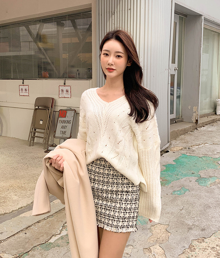 ROMANTIC MUSEMixed Pattern Baggy Knit Top