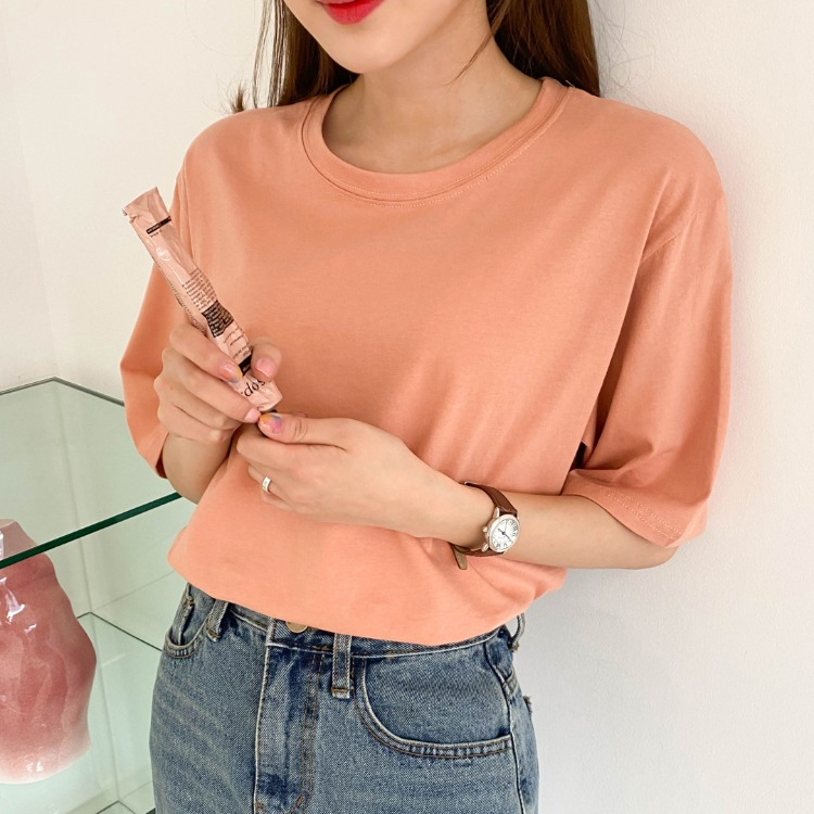 ESSAYHalf Sleeve Relaxed Fit T-Shirt