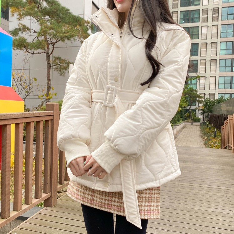 ROMANTIC MUSEBuckled Belt Quilted Jacket