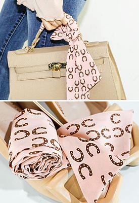 馬蹄パターンスカーフ