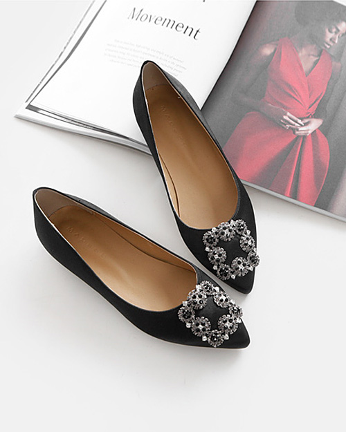 Noble flat shoes