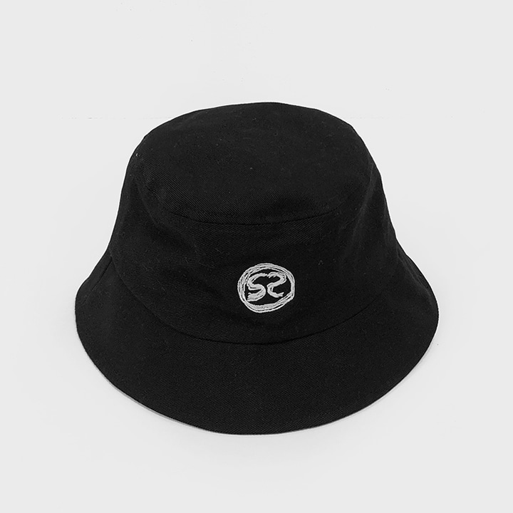 [SS-0032] S2 LOGO BLACK BUCKET HAT