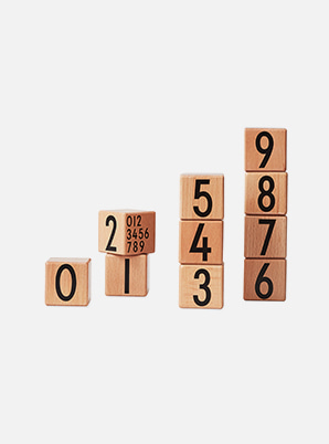 [MD &P!CK] DESIGN LETTERS Wooden Number Cubes
