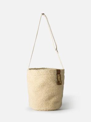 [A PRECIOUS MOMENT] YEOMIM BOUCLE BAG