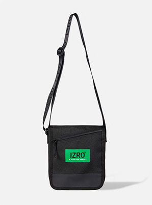 [A PRECIOUS MOMENT] IZRO CROSS BAG
