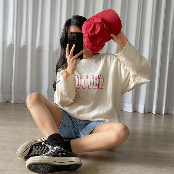 보우 박시핏 레터링 긴팔 티셔츠