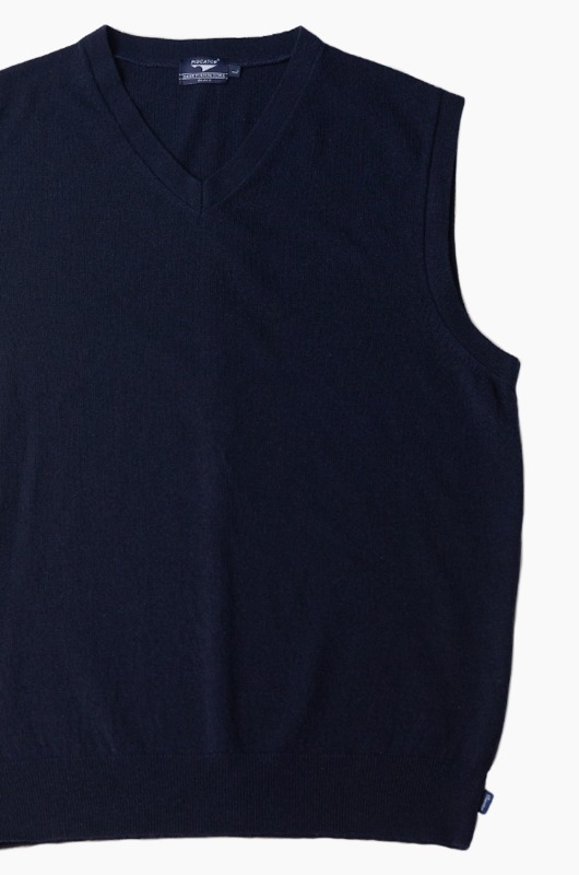 PISCATOR Essential Knit Vest Navy