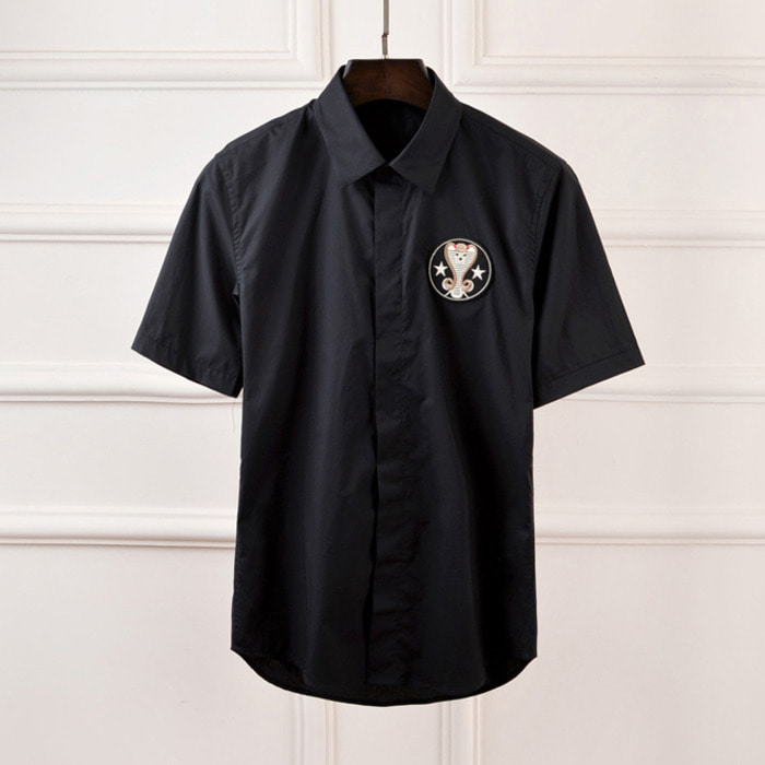 101007 체스트 코브라 패치 히든버튼 셔츠 (2Color)