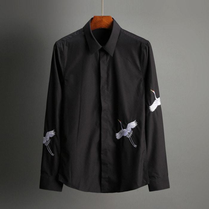 101814 두루미 자수라인 히든버튼 셔츠 (2Color)