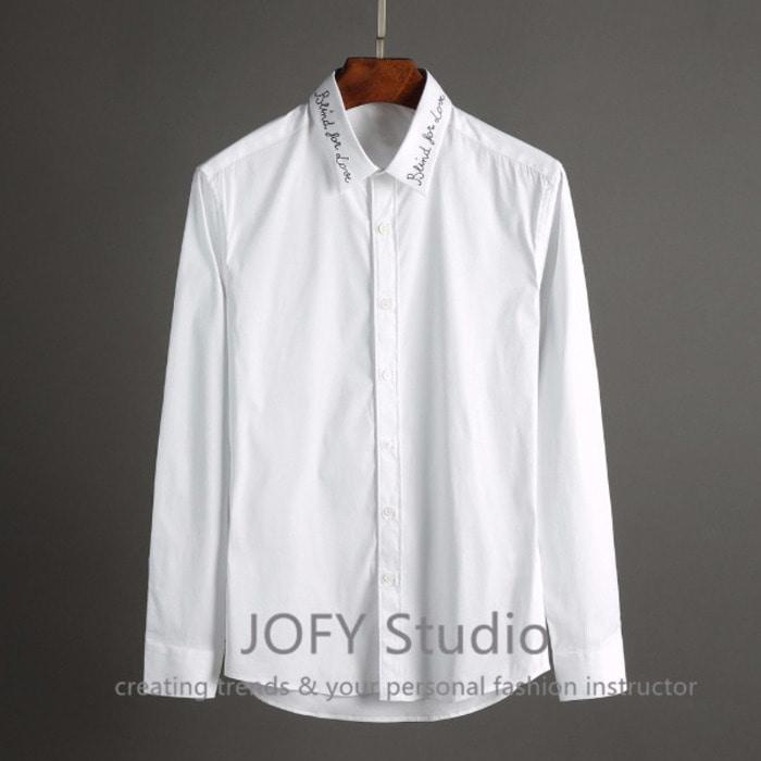 101955 이탤릭 타이포 카라라인 히든버튼 셔츠 (2Color)