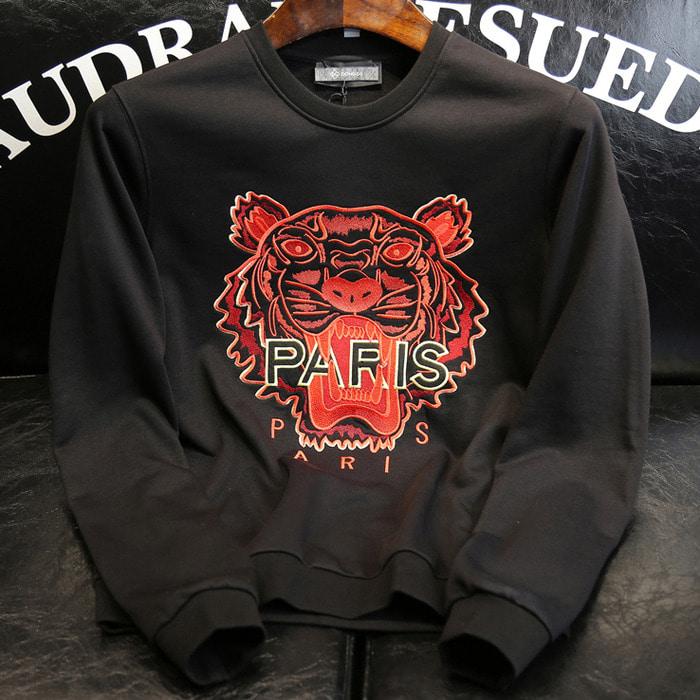 105749 KE 파리스 타이거 패치포인트 맨투맨 티셔츠 (Black)