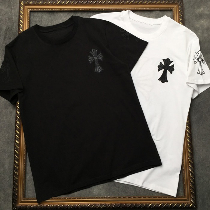 107874 시그니처 크로스 프린팅 하프 티셔츠 (2Color)