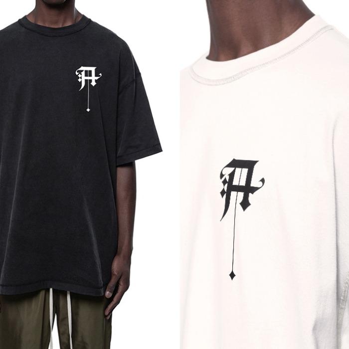 107856 유니크라인 레터링 프린팅 오버핏 하프 티셔츠 (2Color)