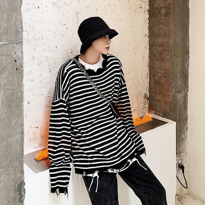 107952 유니크 데미지라인 스트라이프 티셔츠 (2Color)