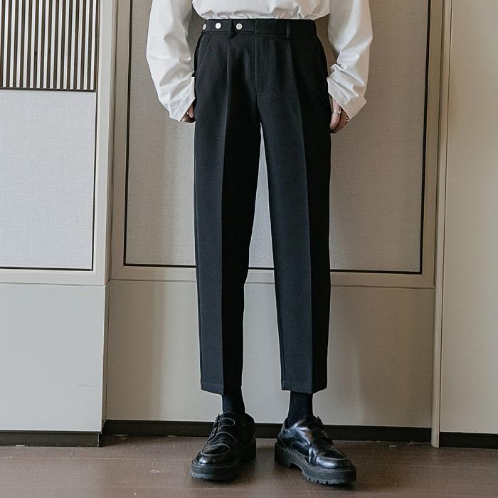 111354 스터드 벨트 히든 밴딩 구루카 9부 팬츠(Black)