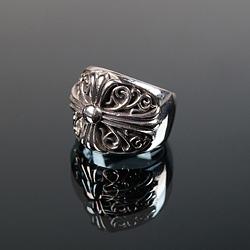 92724 CH 빅 커브 플로랄 크로스 반지 (Silver)