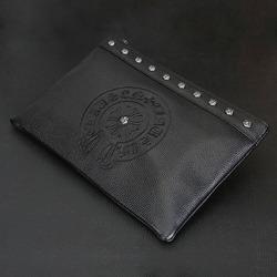 98252 CH 말발굽 각인 스터드 클러치 백 (Black)