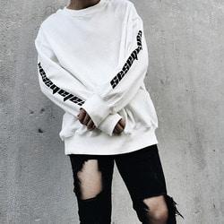 101147 미니멀 오버핏 레터링 맨투맨 티셔츠 (3Color)