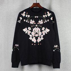 101230 오리엔탈 벛꽃프린팅 맨투맨 티셔츠 (Black)