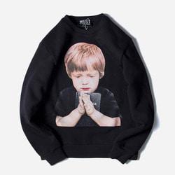 104200 AC 프레잉보이 루즈핏 맨투맨 티셔츠 (Black)