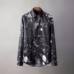 105801 스페이스라인 컨스트레이션 패턴 히든버튼 셔츠 (Black)