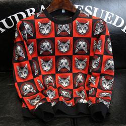 105762 GU 로얄 샤이닝캣 미러 블록패턴 맨투맨 티셔츠 (Red)